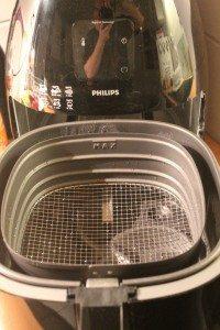 Einsätze des Airfryers nach Reinigung in der Spülmaschine