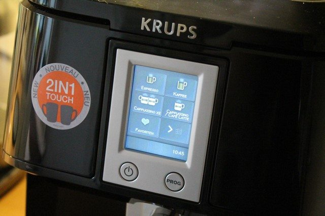 KRUPS 2in1 Touch Kaffeevollautomat EA8808 im Test