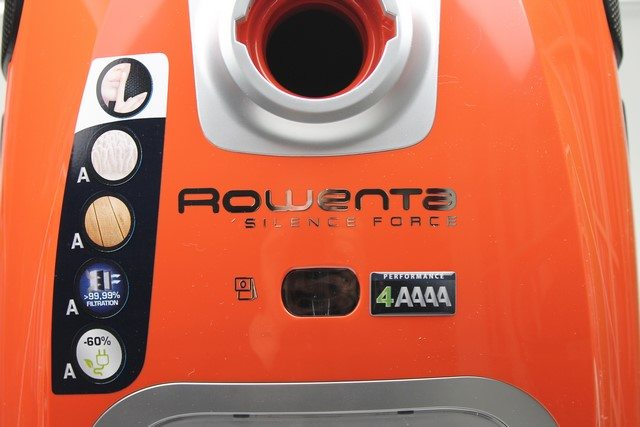 Rowenta RO6432EA Silence Force Sauger im Test