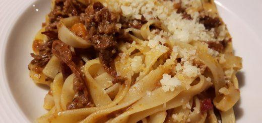 Rezept: Tagliatelle alla Bolognese mit Pfifferlingen