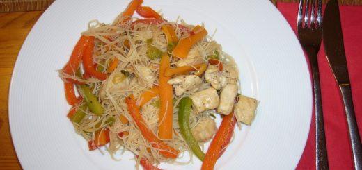Rezept: Geflügel-Asia-Pfanne mit Erdnüssen