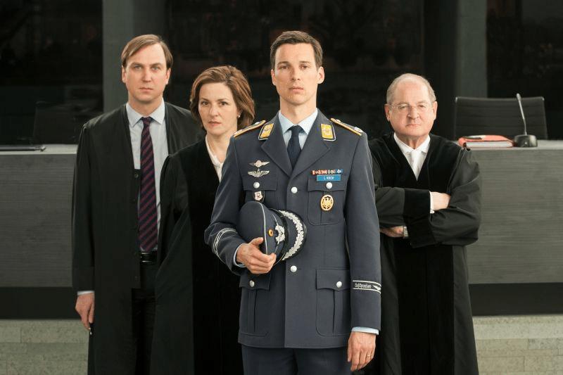 schirachs-terror-ihr-urteil-in-der-ard-1