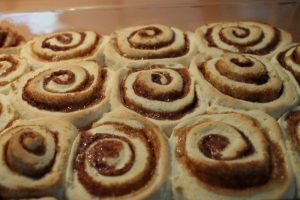 cinnamon-rolls-with-cream-cheese-frosting-6