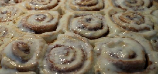 Rezept: Cinnamon Rolls with Cream Cheese Frosting
