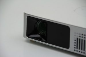 Y-9 DLP LED Projektor von GearBest.com im Test
