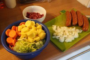 Rezept: Kartoffelsuppe mit Mettenden