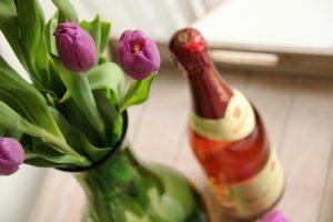 Grüße zum Muttertag: Sag's mit Rotkäppchen von Herzen