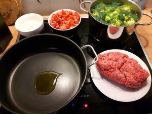 Rezept: Brokkoli-Hack-Pfanne (low carb)