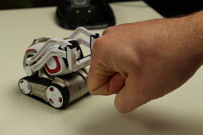 anki COZMO - Der superintelligente & superfreche Roboter im Test