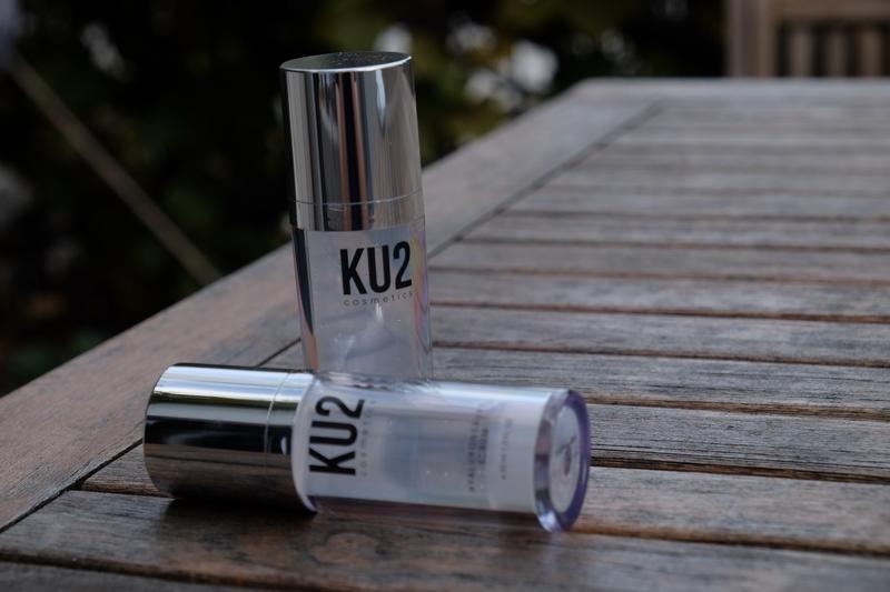 Straffere Haut mit dem Hyaluronsäure Serum von KU2 Cosmetics