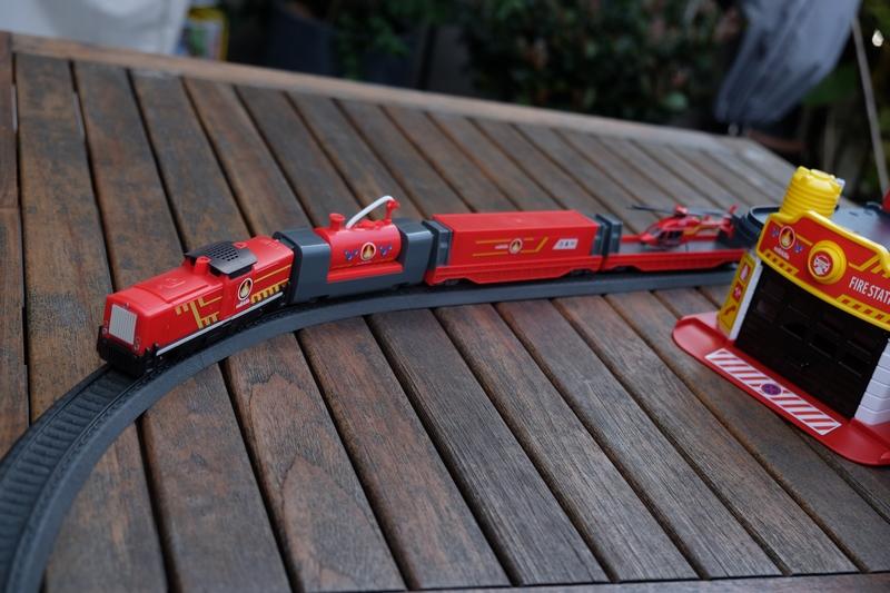 my world & Spielzeugeisenbahn Feuerwehreisenbahn