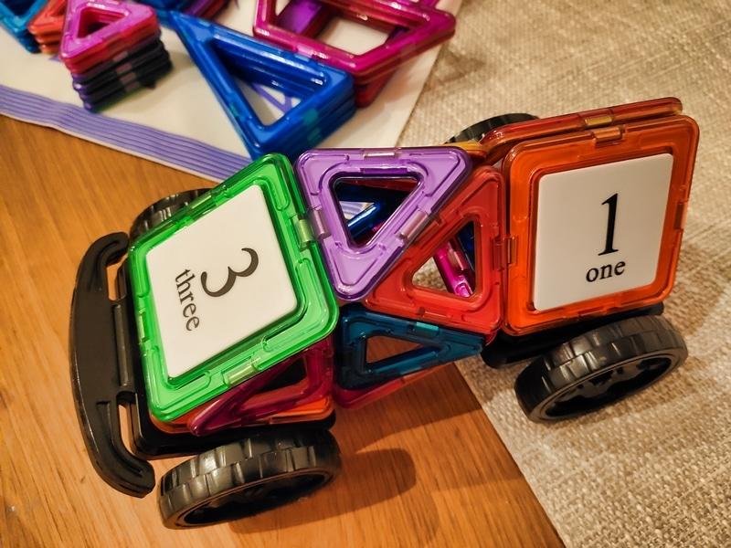 Fansteck Magnetbausteine - Tolles Weihnachtsgeschenk für großen Spielspaß für die Kleinen