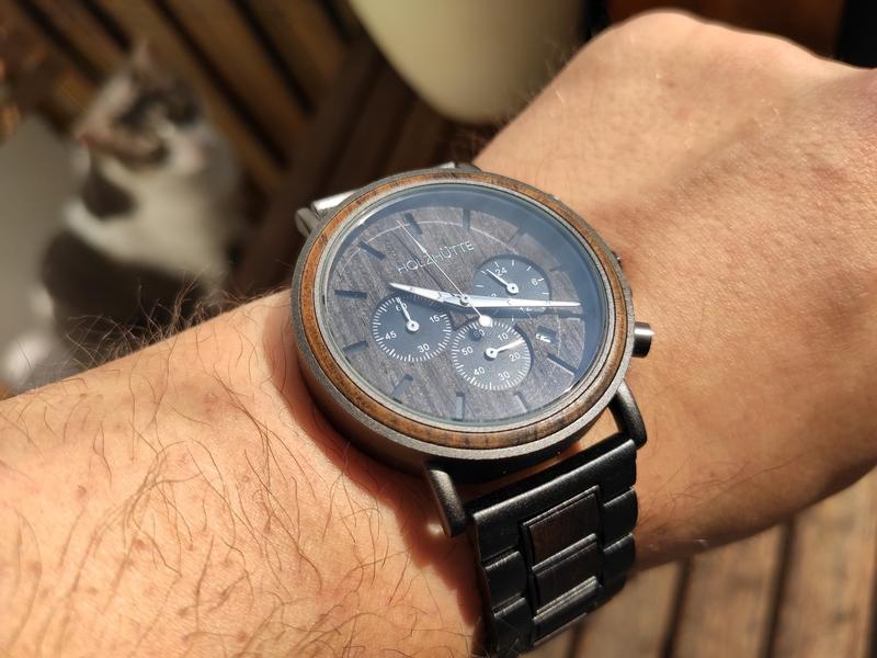 HOLZHÜTTE Uhren - Eleganz aus Naturholz am Handgelenk