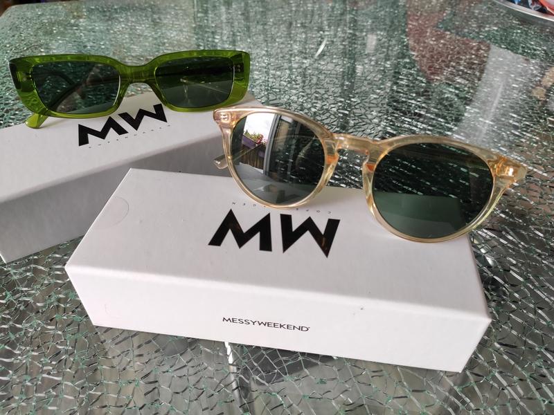 MessyWeekend Sonnenbrillen Grün und Gelb